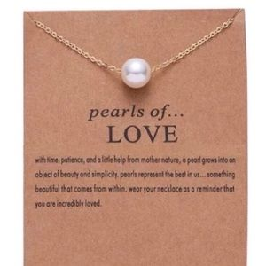 Dainty single pearl necklace